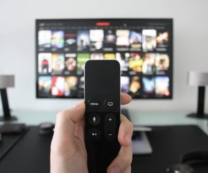 Kaj prinašata hiter razvoj interneta in visokotehnološka internetna televizija – IPTV