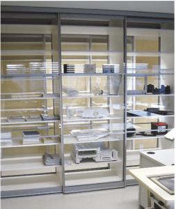 steklena pisarniška vgradna omara