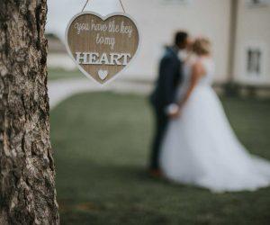 V katerem času dneva načrtovati poročno fotografiranje